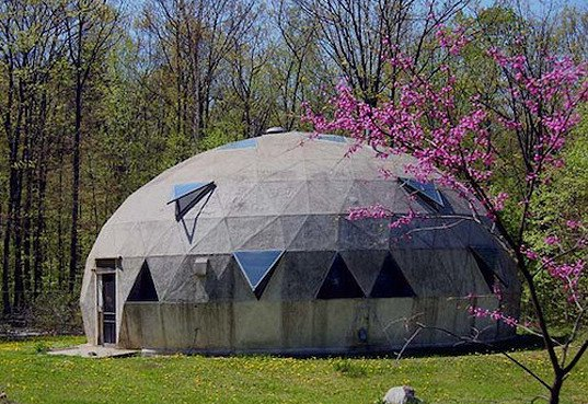 Self sustaining aquaponic greenhouse coming to vermont for Building a house in vermont