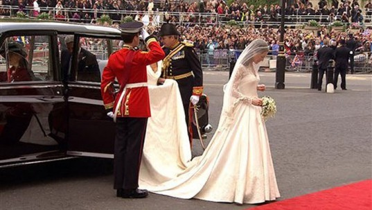 kate middleton hats 2009 kate middleton wedding dress alexander mcqueen. Kate Middleton#39;s Royal Wedding