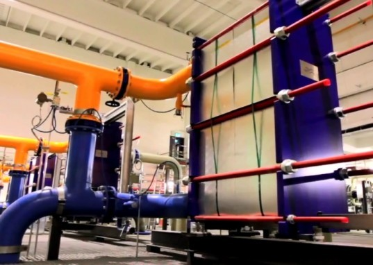 Google Finnish data center, efficent data center, green data center, low PUE, sea water cooling, ocean cooling technology, Google energy efficent data center, sea water cooling system,