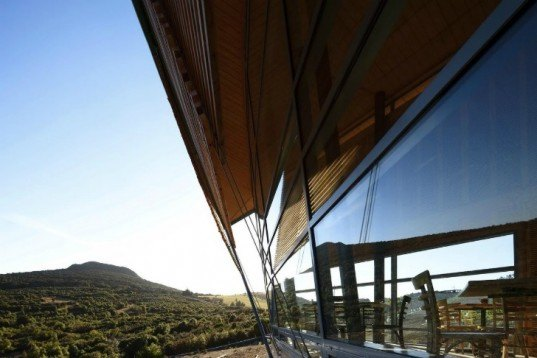 Orokonui Ecosanctuary Visiter Centre, Architectural Ecology, new zealand, nature preserve, shipping containers, local materials, visitor centre