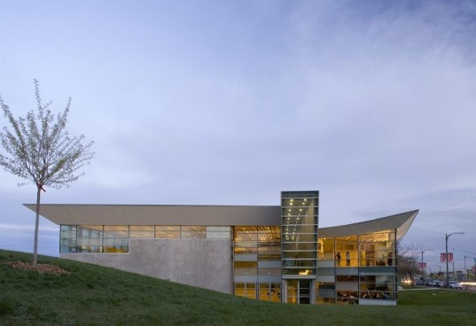 Sunset Community Centre, Bing Thom Architects, LEED Gold, South Vancouver, Daylighting, concrete