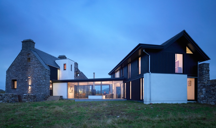 Modern Architecture Scotland white house: scottish ruins transformed into modern low-impact