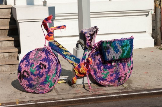 Guerilla knitting, street art, yarn graffiti, yarn bombing, Sarah Gonzalez, crafting,Knitting graffiti crews,