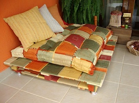 Diy Make Your Own Rustic Sofa From Used Shipping Pallets