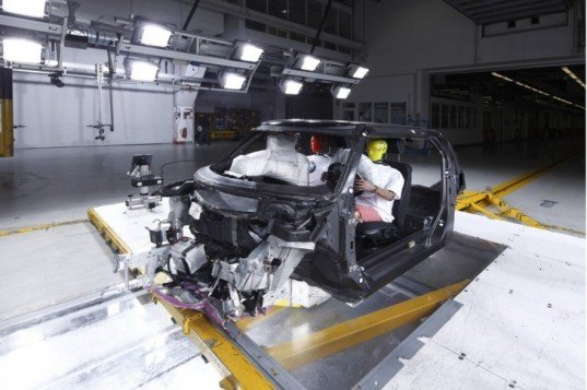 BMW i3, BMW carbon fiber plastic, BMW new manufacturing process, green transportation, green automotive design, alternative transportation, electric vehicle, electric car, city car