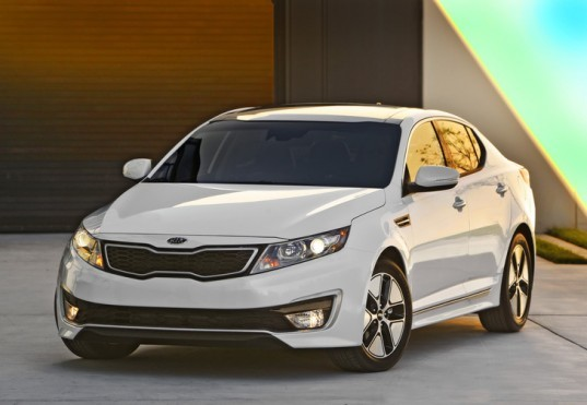 Kia Hybrid, Kia Optima Hybrid, Kia hybrid pricing, green transportation, green automotive design, alternative transportation, hybrid vehicle