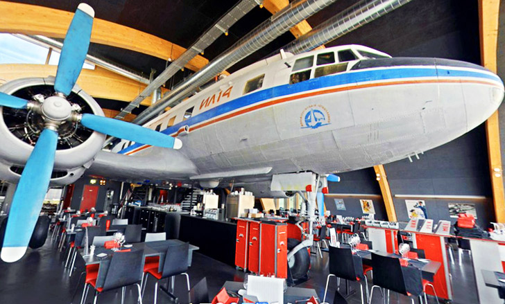 Runway 34 recycled airplane restaurant serves up first for Salvaged building materials los angeles