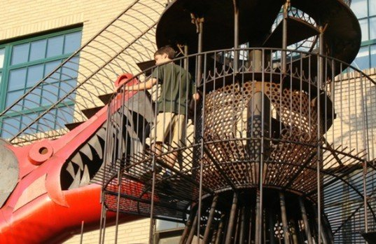 st. louis museum, city museum, green design, found objects, recycled architecture, eco architecture, offbeat destinations, green design, eco design, eco tourism, reclaimed materials, recycled materials, sustainable design