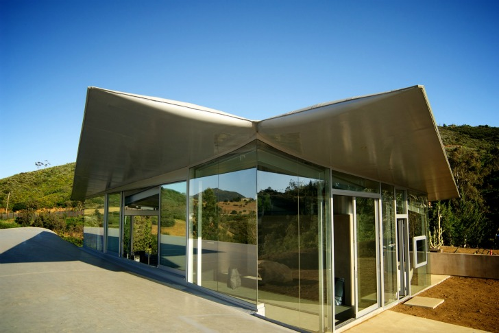 http://inhabitat.com/wp-content/blogs.dir/1/files/2011/06/747-Wing-House-David-Hertz-Architects-9.jpg