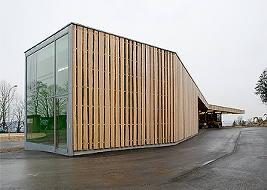 Bauzeit Architekten, Operation Center Burgergemeinde, green design, eco design, sustainable design, wooden, natural lighting