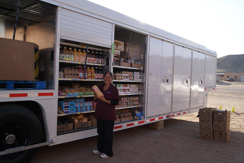 Mogro a mobile food truck filling food deserts with for Mobili convenienti