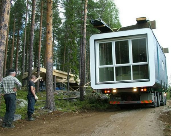 Prefabulous Tree Top Cabin Goes Out on a Limb at Sweden's