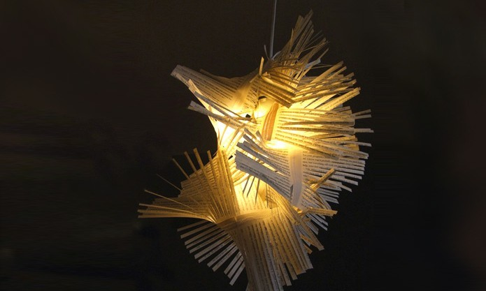 Lampada Origami Di Edward Chew : Upcycled booklight gives new life to discarded literature