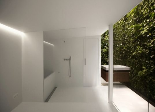 Minimalist home 06 is a clean white and green haven in for Minimalist house cleaning