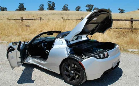 Tesla Roadster, test drive, EV, electric vehicle, electric car, electric sports car, Laura K. Cowan, Silicon Valley, Tesla, Tesla headquarters, Tesla Palo Alto, green automotive design, alternative transportation, green transportation, Tesla EV, Tesla Roadster Sport, Tesla plug-in EV