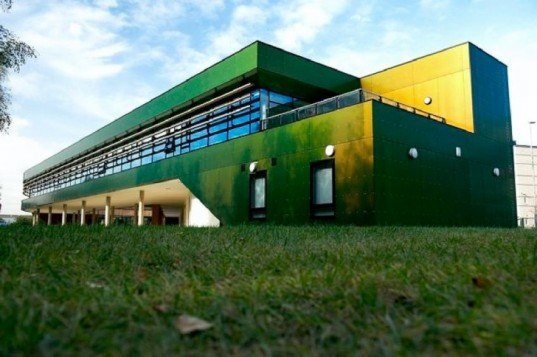BREEAM Excellent, Think Tank, Marks Barfield Architects, Lincoln, UK, WWI, sustainable design, green design, eco design, eco architecture, green architecture, chameleon, Rockpanel, seeded roof