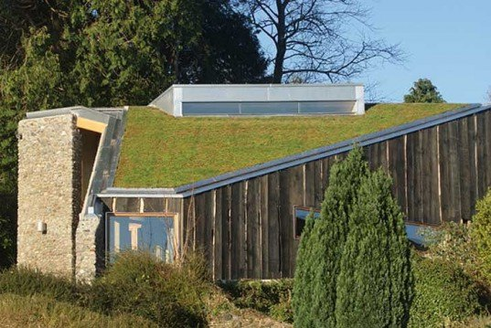 Sustainable Building,Renewable Energy,Landscape Architecture,green roof,Green Materials,green Interiors,Design for Health,Botanical,Architecture,local materials, riba awards 2011, british design,British Designer,sedum roof,photovoltaic panels,