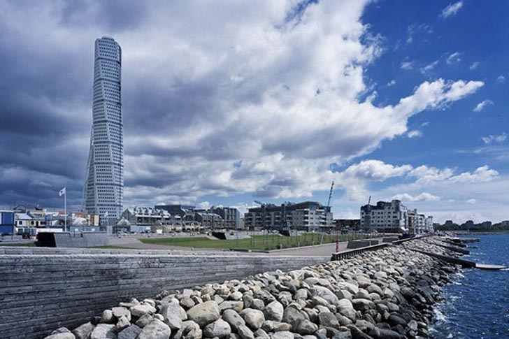 7 Passenger Vehicles >> Turning Torso: Calatrava's Sustainable Skyscraper is the Tallest Residential Tower in Sweden ...