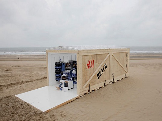 sustainable architecture, shipping container, WaterAid, H&M, Scheveningen, the Hague, Beachwear in Shades of Blue, green design, sustainable design, eco-design, chiarity,