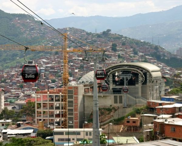 Metro Cable, Urban Think Tank, cable car system, caracas, venezuela, green transportation, public transport