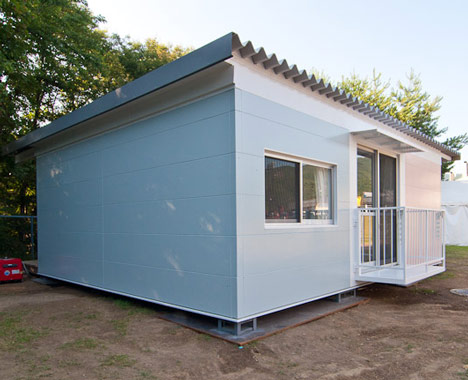 disaster relief, humanitarian design, shipping containers, shigeru ban architects, Japan, green design, eco-design, sustainable design, reclaimed materials, recycled materials,