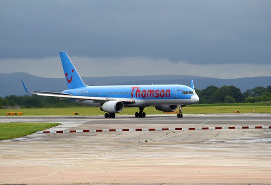thomson airways cooking oil, biofuels plane, cooking oil biofuels, thomson airways biofuel, tui travel biofuels, thomson airways uk airlines, uk airlines biofuels, biofuels cooking oil