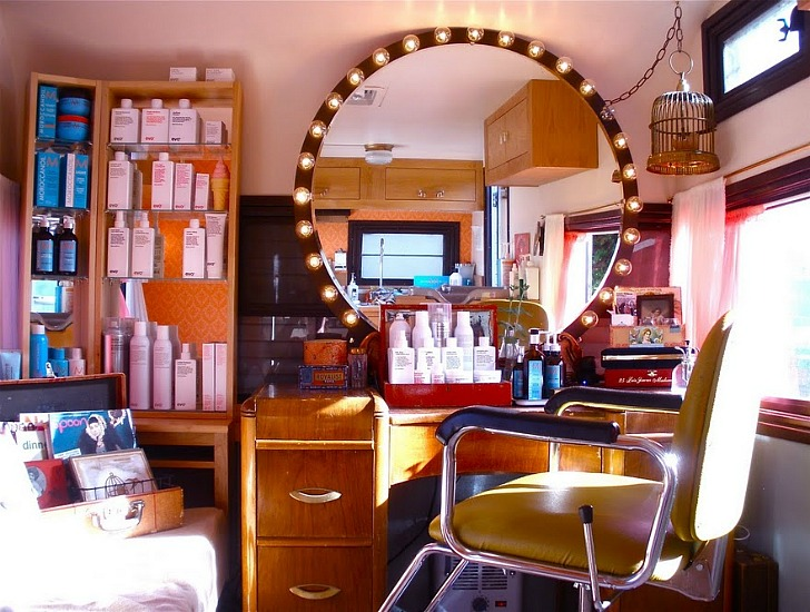 Vintage Trailer Transformed Into Adorable Holiday Hair