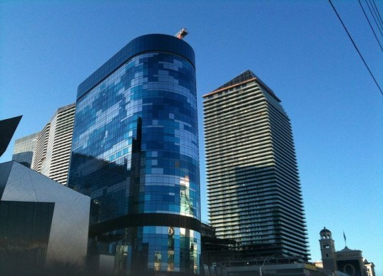 Foster + Partners, Harmon Hotel, Las Vegas, MGM, Weidlinger Associates, green design, eco-design, sustainable design, faulty design, boutique hotel,