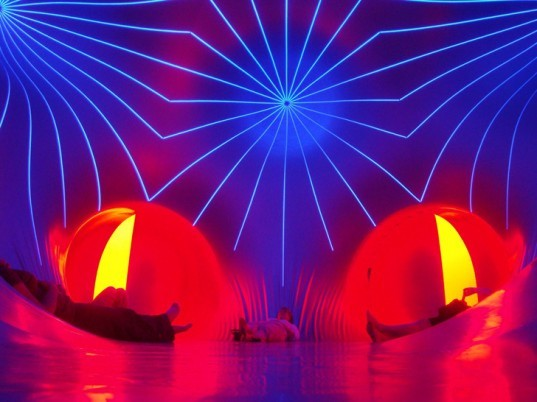 green design, eco design, sustainable design, Alan Parkinson, inflatable architecture, Architects of Air, Miracoco, temporary architecture, pavilion