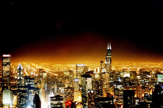 Chicago To Replace Old Yellow Streetlights With Energy