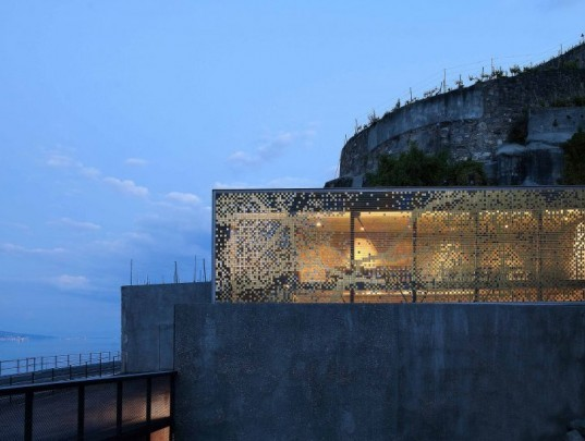 eco wine tasting,green wine tasting, local materials, Lake Geneva wine tasting, pixilated facade, Lavaux wine tasting, Wine tasting room, Daniel Schlaepfer, metal skin, Fournier-maccagnan Architecture