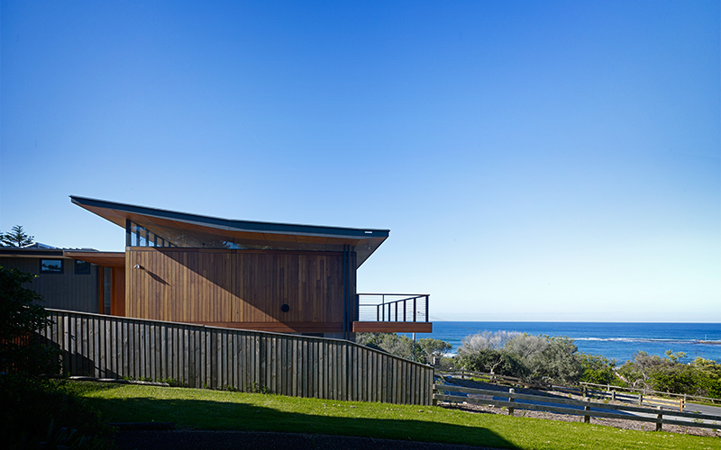 Choi Ropihas Beautiful Mona Vale Beach House is a Study in