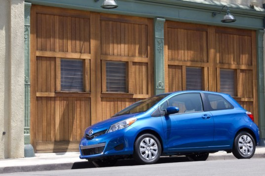 Toyota, Toyota Yaris, Economical Car, Economic Automobile, Sustainable Transportation, Green Transportation, Gas Saving Car, Gas Saving Auto, Drive Green, Inhabitat Los Angeles, Inhabitat LA