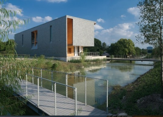 rainwater harvesting, geothermal energy, solar energy, LEED, Texas, UR22, Vincent Snyder Architects, green design, sustainable design, natural materials, sustainable materials, natural lighting, natural ventilation