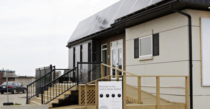 Canada 39 S First Net Zero Home Has 50 Amazing Green Features