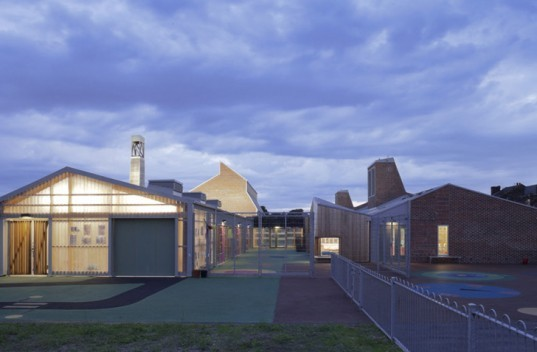 green design, eco design, sustainable design, Sarah Wigglesworth Architects, Sandal Magna Community School, Wakefield, UK, Rainwater collection system, reclaimed materials, recycled materials, sustainable timber, natural ventilation, carbon efficient school