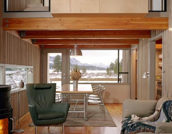 The Methow Cabin is a Cozy Washington Ski Retreat with a Tiny Footprint