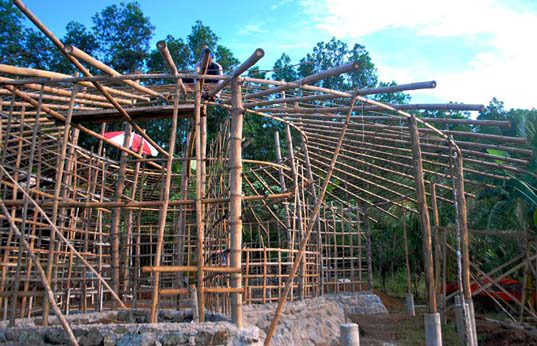 roots of health, mud house, green building, palawan, philippines, green design, sustainable design, green architecture, local materials, green materials, earth house, eco-friendly architecture, bamboo house