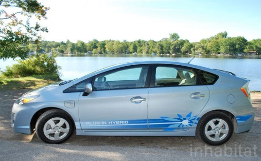 Chevy Volt, test drive, Laura K. Cowan, plug-in hybrid, range-extended EV, electric car, hybrid vehicle, Plug-in Prius, Prius hybrid, fuel efficiency, green automotive design, green transportation, alternative transportation