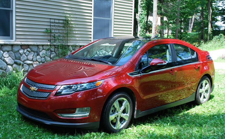 Test Drive The Chevy Volt Vs The Plug In Prius