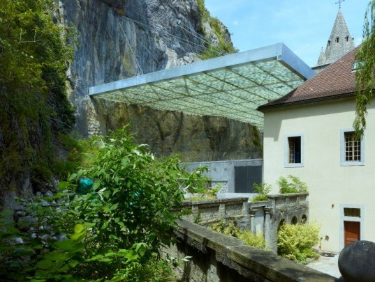 Couverture Ruine Archeologique, Savioz Fabrizzi Architectes, st. maurice abbey, disaster proof design, daylighting, floating roof, archaeology site