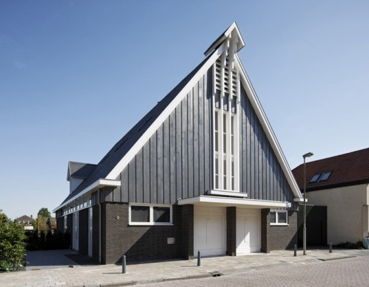 Ruud Visser, Water Tower Meerkerk, House in a Church, sustainable design, green design, green renovation, sustainable building, eco architecture, netherlands, ruud visser architects, ruud visser interview, green building, recycled materials, adaptive reuse