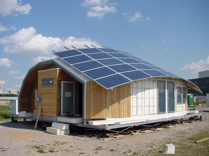 20 stunning energy efficient homes in the 2011 solar for Energy efficient kit homes