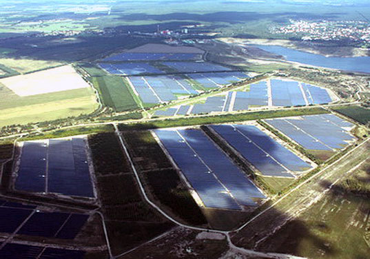 Unlimited Energy, solar park, photovoltaic solar park, Saferay, Senftenberg, crystalline modules, central inverter stations, solar park open pit mine, solar energy, renewable energy, Germany