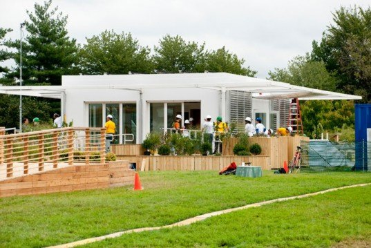 green design, eco design, sustainable design, Florida International University, perFORM[D]ance House, Paul Rudolph, glazing system, Louvers, photovoltaic roof, Solar Decathlon, Murphy Bed