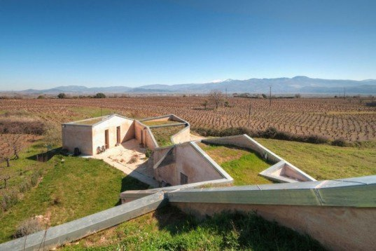 Sustainable Building,green roof,energy efficiency,biomimicry,spanish design,leon province,insultaion,energy efficiency,cool house,bioclimaric architecture