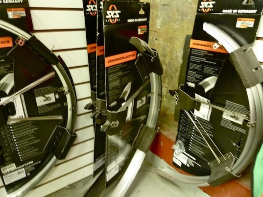 green design, environmental design, environment, sustainable design, sustainable living, green living, eco habitat, eco conscious, green infrastructure, infrastructure, green transportation, co2, climate change, green technology, eco art, bicycle, bicycle maintenance, fall riding, fall weather, rainproof, waterproof, gloves, fenders, brakes, localize, recycle, diy, pedal revolution, san francisco, sf, bikeshare, urban transportation, city cycling, preparedness, homemade, fixed gear, fixie, bike pads, fenders, LED, HID, toe clips, bike, single speed, road bike, cruiser, bikonomics, bicycle