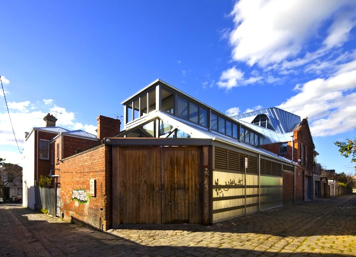 Cloud no 9 house old world stables transformed into an for Cloud 9 architecture