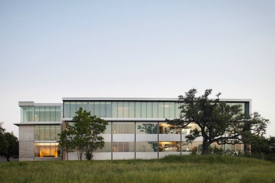 Fleck Hall, Andersson-Wise Architects, st. edward's university, green renovation, green building, austin
