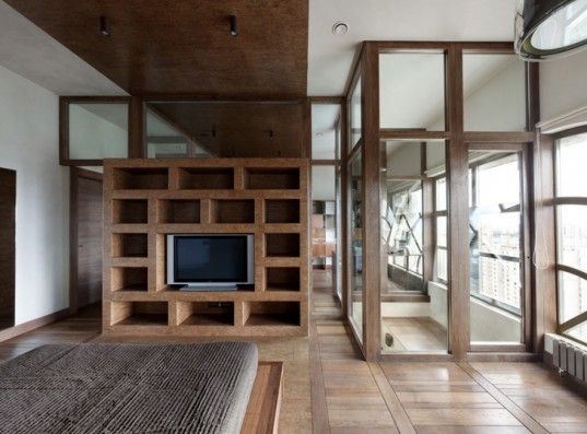 Timber treehouse addition adds almost 200 sq ft of living for 200 square feet living room design